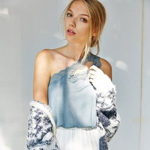 Kimchi Blue One-Shouldered Lace Cutout Tank